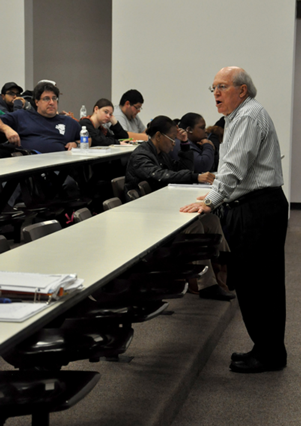 Dr. Jerry Henson peppers his history lectures with childhood stories. Photo by Ana Gallegos/The Et Cetera.