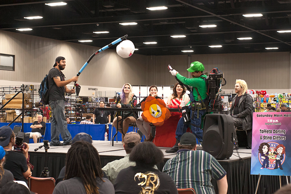 Retro Gaming Convention brings nostalgic games, comic books together