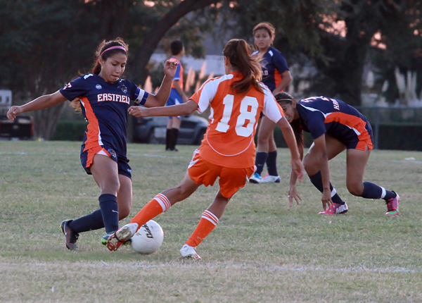 JONATHAN WENCES/THE ET CETERA Liliana Cardozo makes an attempt to steal the ball at the last home game of the season against Cedar Valley on Oct. 24.