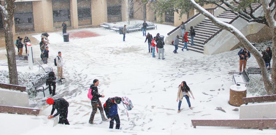Snow%2C+ice+shut+down+campus