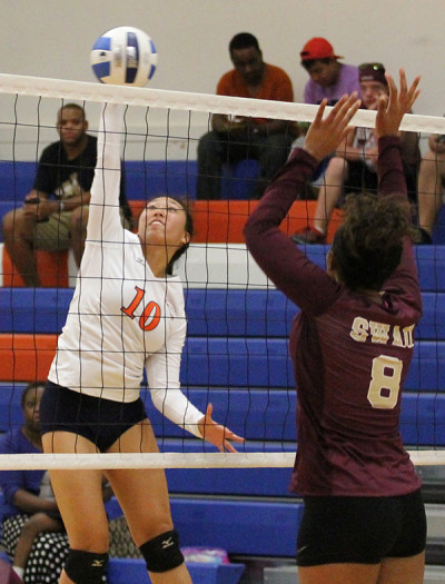 Volleyball team opens conference play