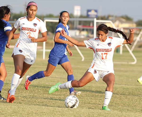 Liliana Cardozo passes the ball in an Oct. 9 home game against Mountain View.