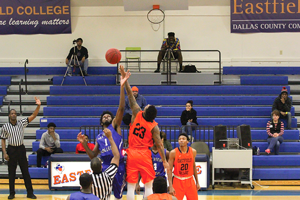 Tip off to start the game between Mountain View Community College and Eastfield on Jan 13. Eastfield beat Mountain View 95-93.