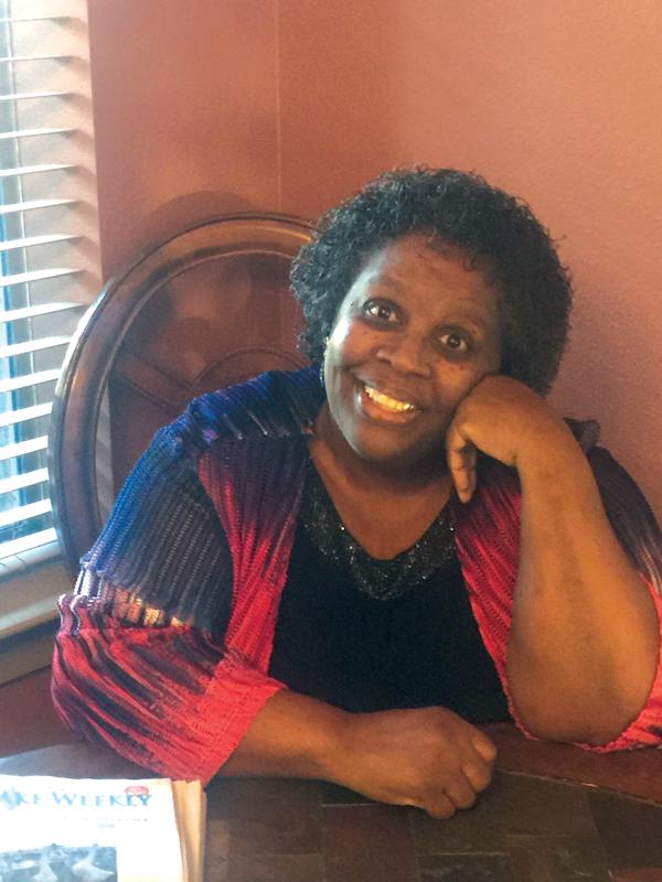 Alumnae+pens+story+of+grandmother%E2%80%99s+domestic+struggles
