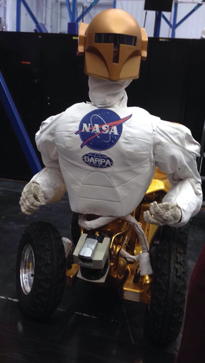 A robot on wheels in Building 9. Photo by Brianna Harmon/The Et Cetera