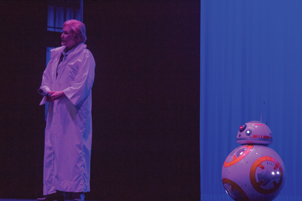 BB-8 made an appearance at the 2016 convocation. Photo by David Sanchez/The Et Cetera