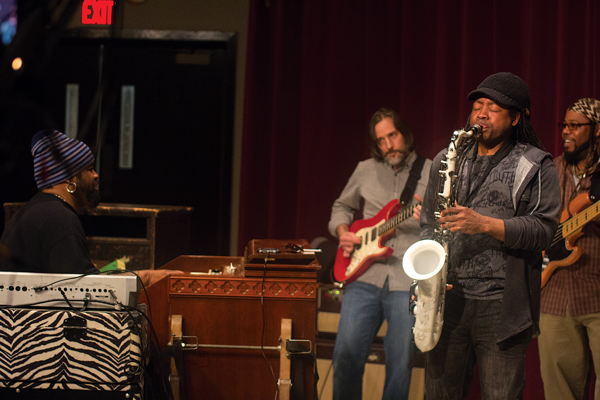 Bobby Sparks, an Eastfield alumnus who credits the college for giving him the skills he needed to win multiple Grammy Awards, performs Feb. 1 with his band in F building. Photo by David Sanchez.