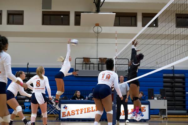 Volleyball claims regular season title, will host tournament