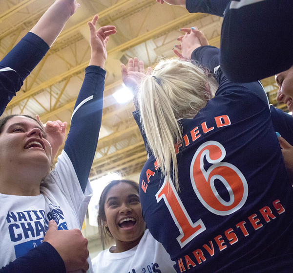 'They let nothing get in their way': Volleyball team brings home Eastfield's first women's national title