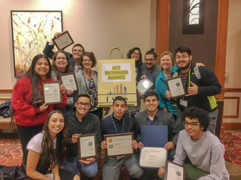 The Et Cetera staff celebrates their Pacemaker Awards during the National Media Convention on Oct. 29, 2017.