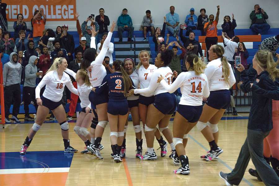 The+volleyball+team+celebrates+claiming+the+MAC+title+Oct.+28.+The+team+did+not+drop+a+set+during+regular+conference+play+and+swept+Brookhaven+3-0+in+the+final+game.%0AManuel+Guapo%2FThe+Et+Cetera