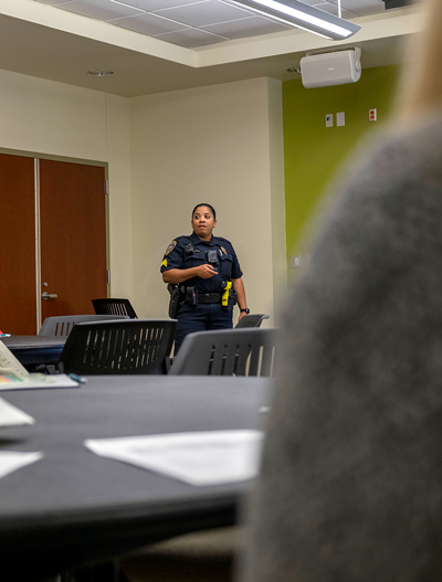 Campus Sgt. Nona Titus gives tips on how women can be prepared to protect themselves. Photo by Jesus Ayala/The Et Cetera