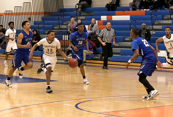 """DaJuan """"Ju"""" Ridgeway takes on Mountain View players in a conference game Feb. 7. Photos by Willie R. Cole/The Et Cetera"""