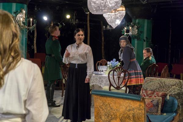 "Joanna Schellenberg (center) and the Undermain cast prepare for a Feb. 28. performance of by Anton Chekhov's ""Three Sisters."" Photo by Yesenia Alvarado/The Et Cetera"