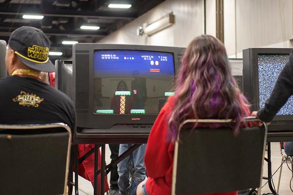 Retro Gaming Convention brings nostalgic games, comic books together