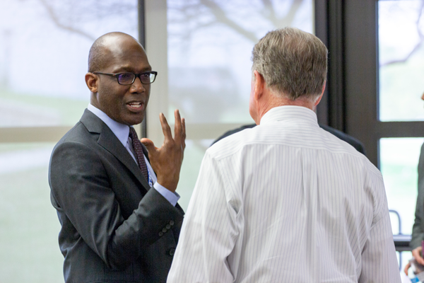 President Eddie Tealer and Vice President Mike Walker discuss college goals and initiatives at the town hall on March 29. Photo by Yesenia Alvarado/The Et Cetera