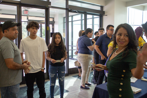 Around 375 people crowded into S101 on Sept. 28 for the How to Pay for College fair. Photo by Skye Seipp/The Et Cetera