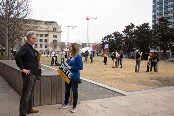 Buttigieg abandons supporters at Dallas rally ahead of Super Tuesday