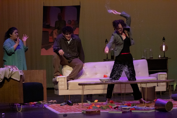 Annette Raleigh throws rice after Veronica Novak criticizes her parenting. Photo by Baylie Tucker/The Et Cetera
