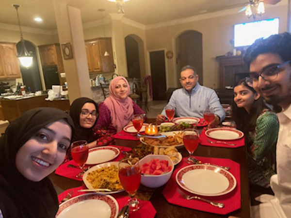 Video: Muslims celebrate Ramadan from home